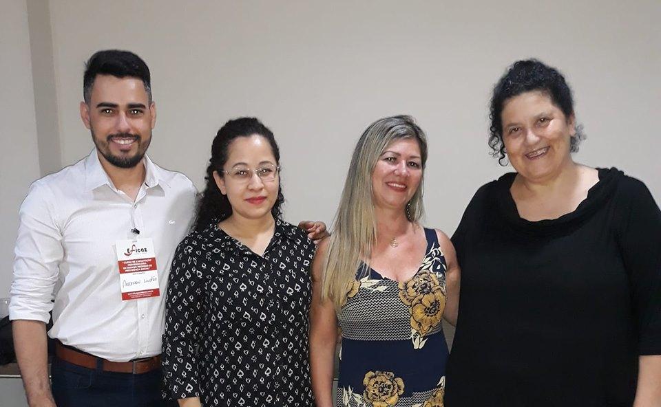 Helena, Ana Maria do Instituto de Previdência de Vilhena com a professora Fernanda
