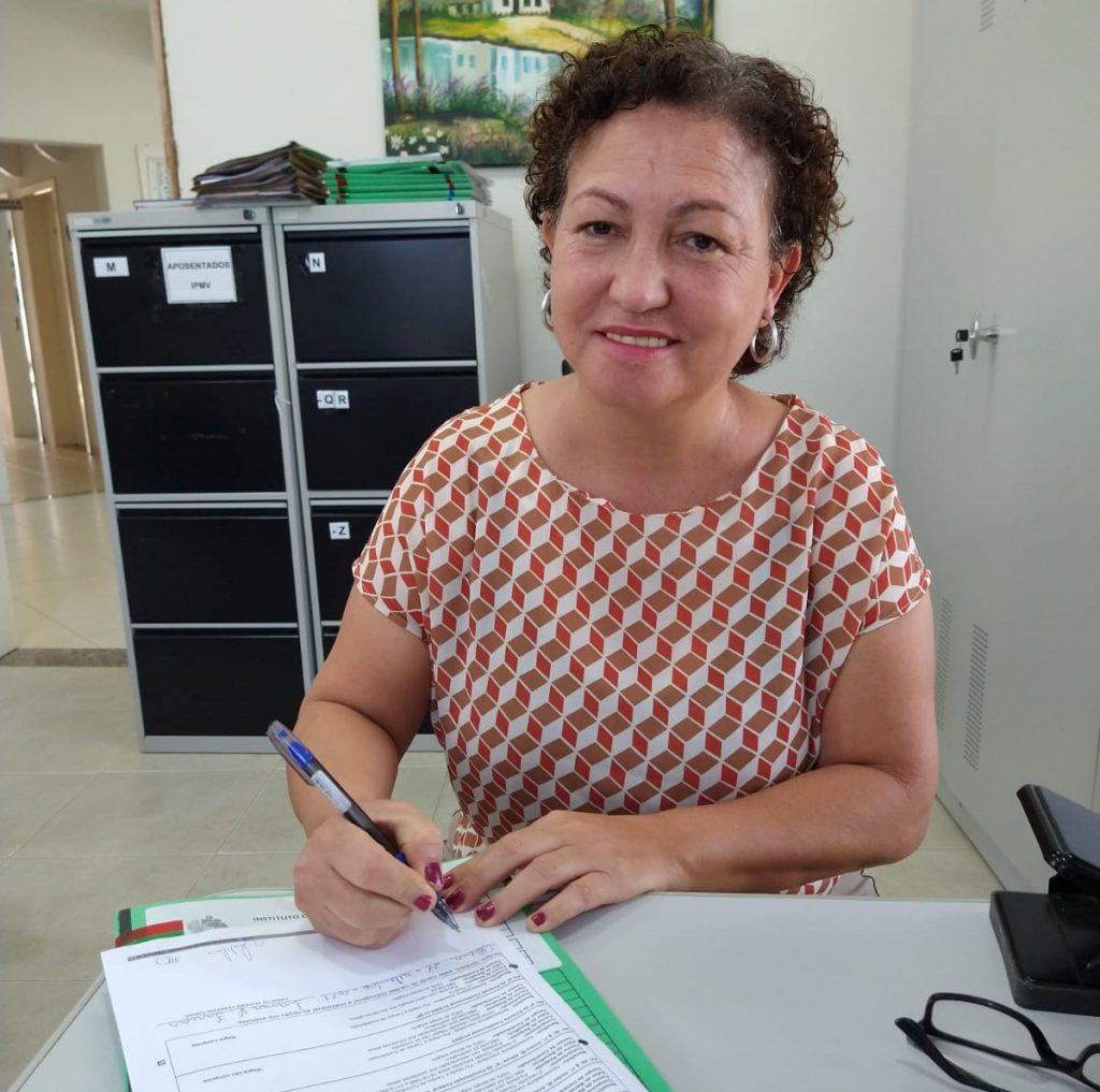 IPMV referenda aposentadoria da segurada Ivanir Farias